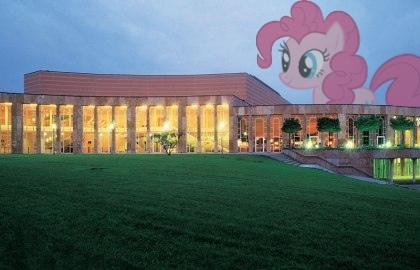 Schubartsaal mit Pinkie Pie